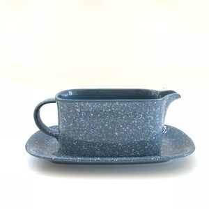 Mikasa Country Blue Gravy Boat & Under Plate CU501